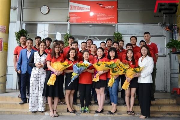Cán bộ công nhân viên Phú Sơn