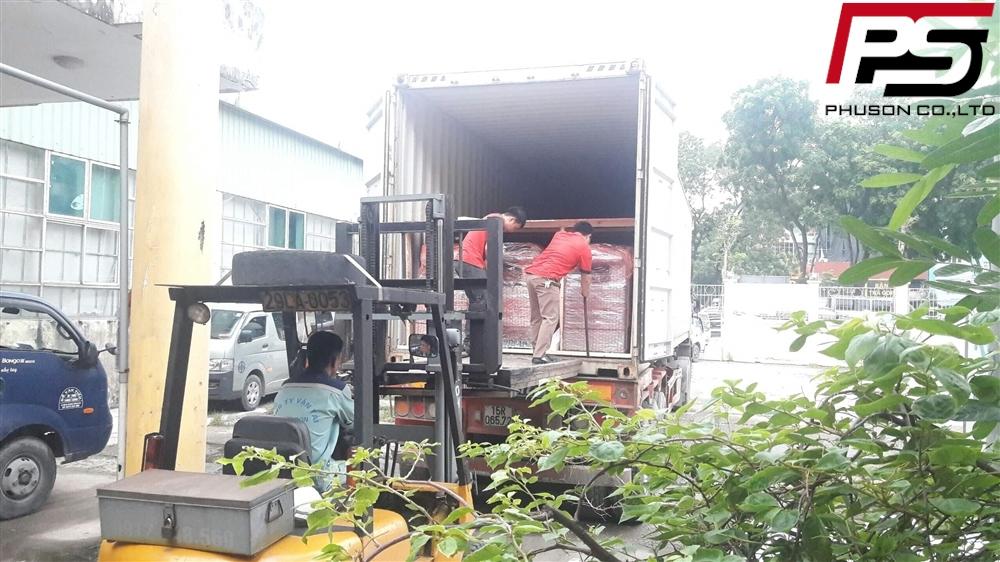 Dỡ container máy Photocopy bãi mới về ngày 11/06/2018